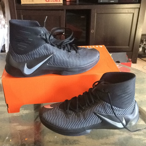 new concept 61852 dd252 New nike zoom clear out men basketball sneakers